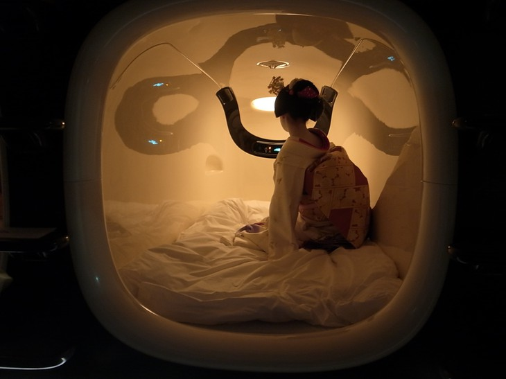 capsule hotel japan 3