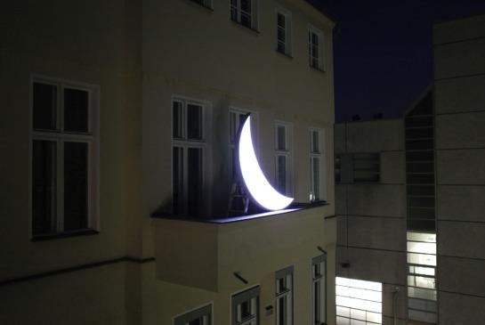 Leonid Tishkov private moon 01