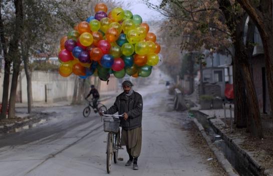 balloon sellers afghan 4