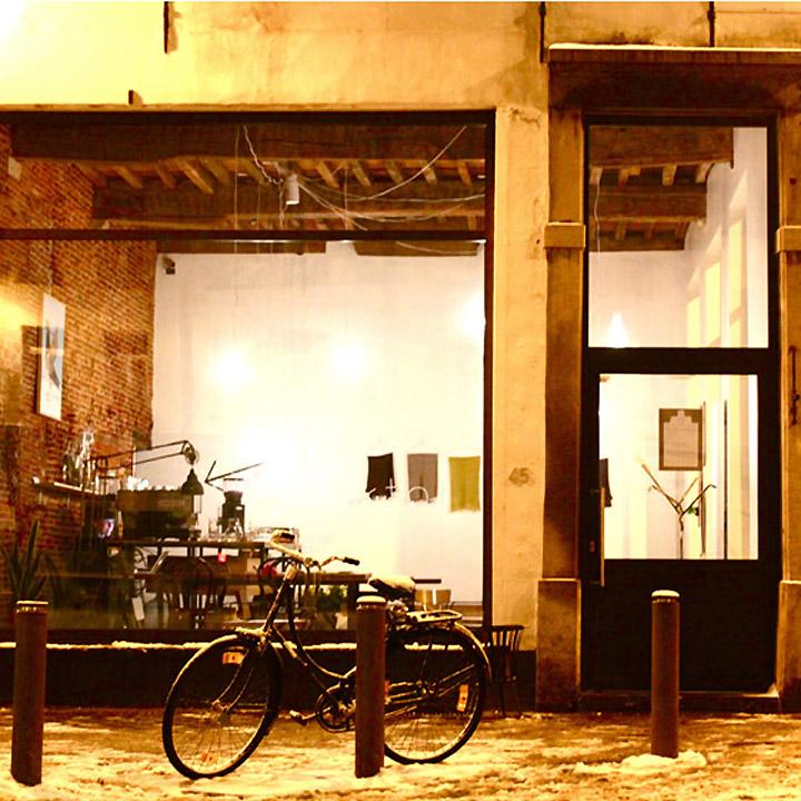 Viktor-cafe-gallery-workspace-Antwerp-0