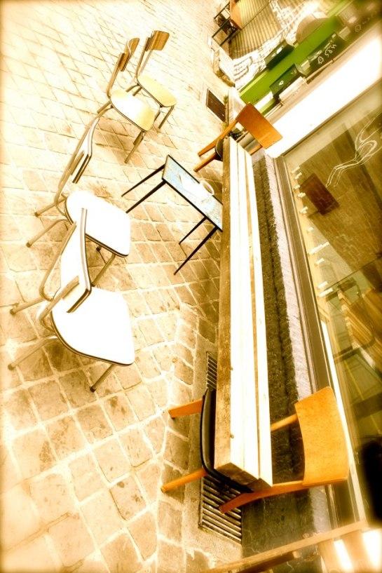 Viktor-cafe-gallery-workspace-Antwerp-00