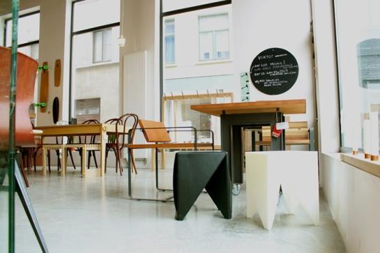 Viktor-cafe-gallery-workspace-Antwerp-03