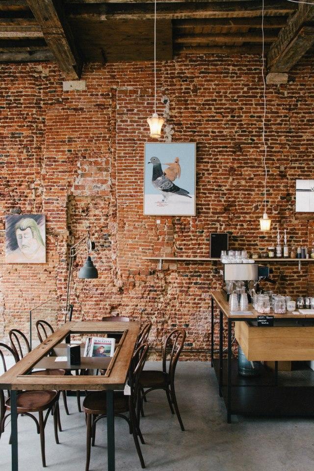 Viktor-cafe-gallery-workspace-Antwerp-1