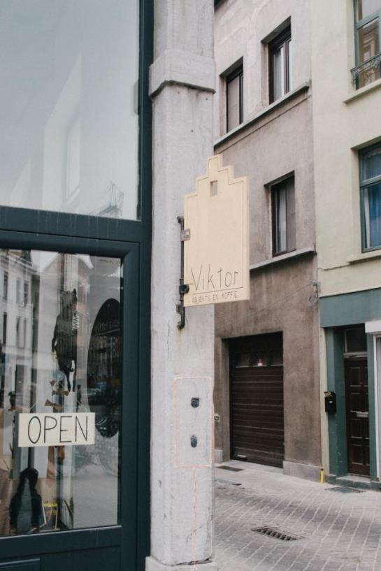Viktor-cafe-gallery-workspace-Antwerp-21