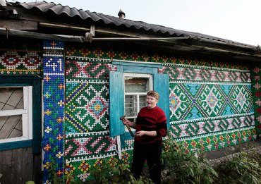 bottle-cap-house-decoration-olga-kostina-1