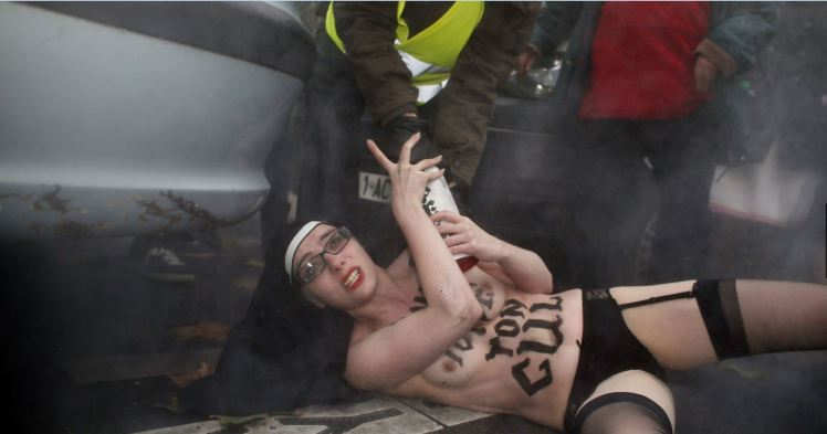 Femen paris 4