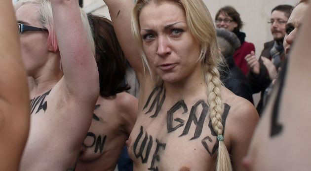 Femen paris 9