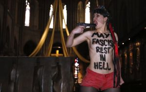 Femen_Notre-Dame_Paris  fascism rest in hell 3
