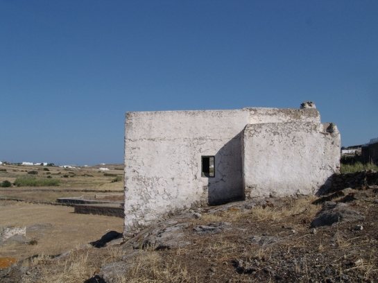 abandoned-house-Mykonos--1