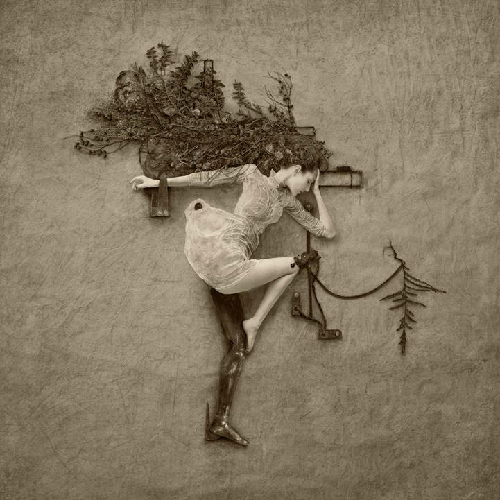 Jennifer Hudson flora 2