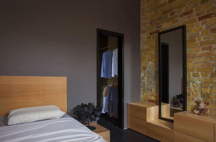Alex Bykov studio bedroom 1