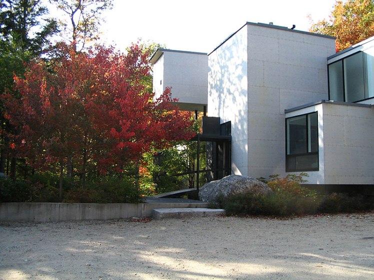 MVVA Nomentana house entrance