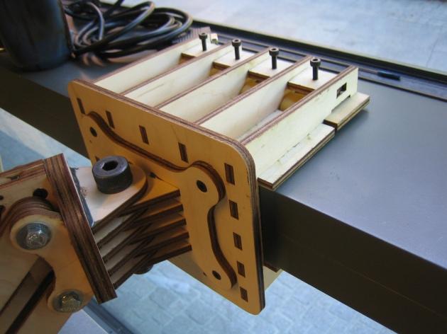 Swing-Arm-V2-Clamp