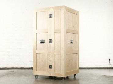 Crate_Wardrobe_Closed2