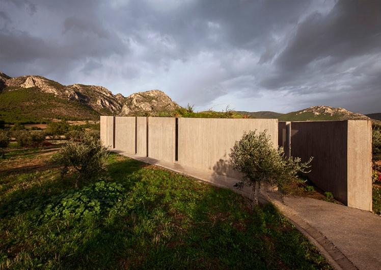 tense-architecture-residence-in-megara-03