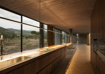 tense-architecture-residence-in-megara-05x
