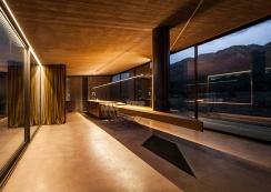 tense-architecture-residence-in-megara-06