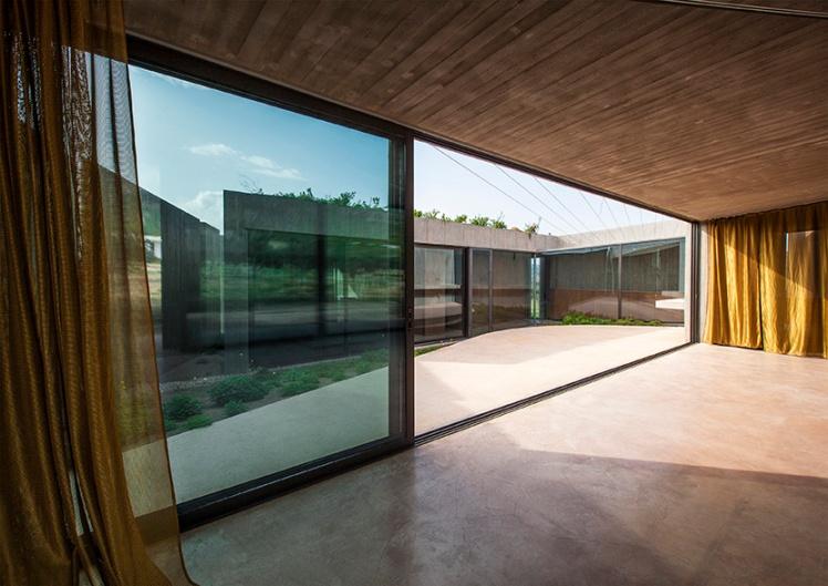tense-architecture-residence-in-megara-09