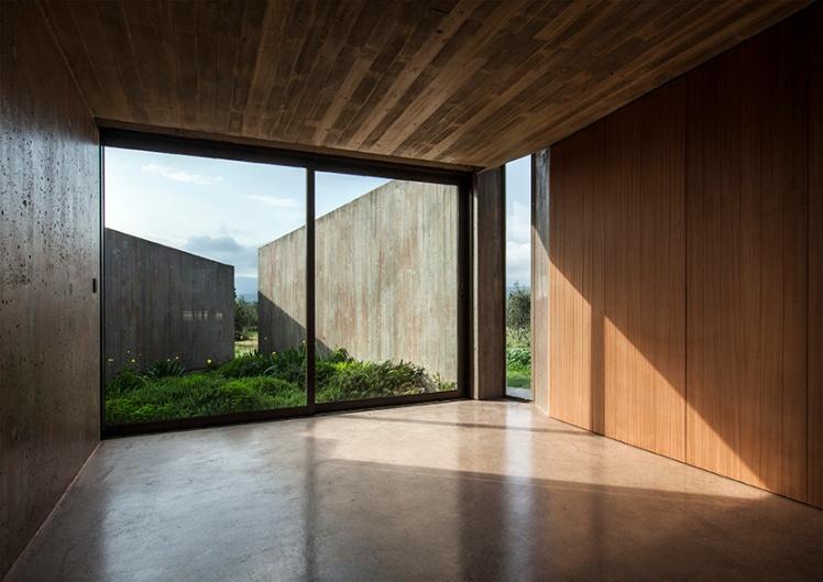 tense-architecture-residence-in-megara-10