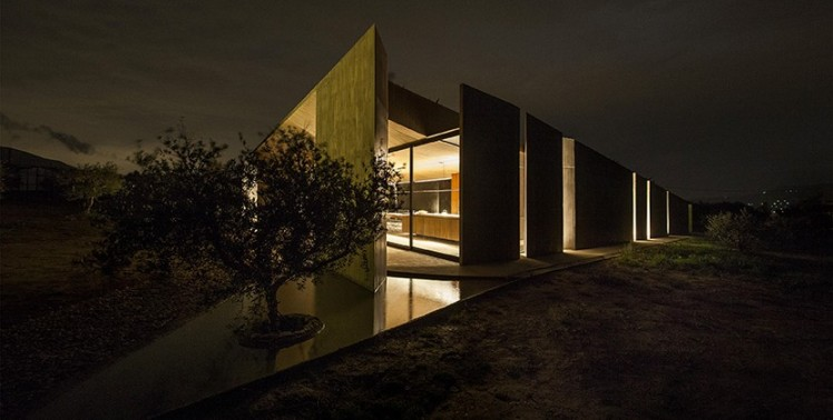 tense-architecture-residence-in-megara-20-830x420